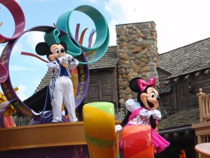 The Best Live Shows And Parades To See At Disney